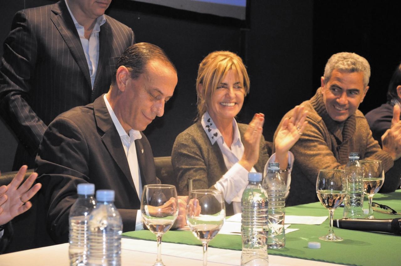 Se firmó el acta acuerdo para la radicación del Mercado de Liniers en Cañuelas