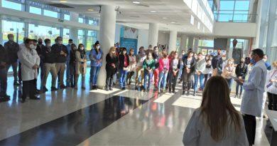 Reconocimiento a los trabajadores del HCANK en el Día de la Sanidad